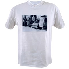 1917 Call for Women's Votes Value T-shirt